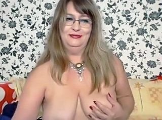 Very attractive mature woman on cam _: amateur big boobs masturbation matures