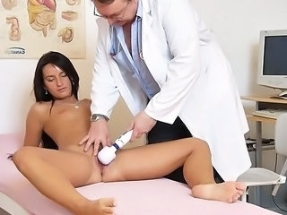 Flexible skinny babe Sharon medical exam