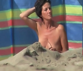 Mature Nudiste En plein air Plage Mature Plage nudiste Plage Voyeur