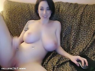 Big Tits Babe On Webcam Show
