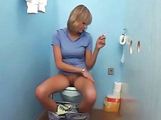Gloryhole Smoking Toilet MILF
