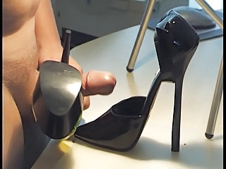 Cumshot on GF Highheels part 3