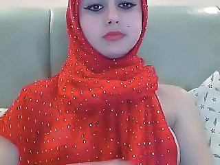 Arab Teen In Red Hijab Exposes Her Pretty Breasts On Webcam