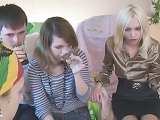 Russian Drunk Threesome Amateur Amateur Teen Drunk Teen