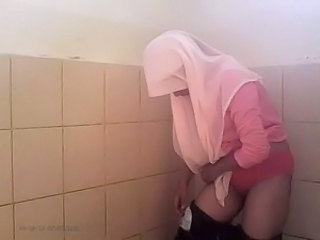 Toilet Amateur Arab Amateur Arab