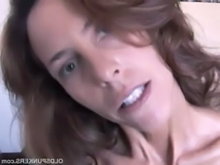 Very sexy mature babe Sherry loves to fuck free