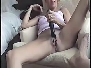 "Real Amateur hottie gets fucked hard - po ..."" class=""th-mov"