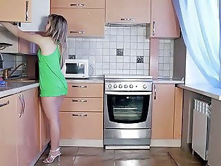 Kitchen Babe Solo