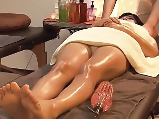 Oiled Voyeur Asian Massage Asian Massage Oiled Oiled Ass