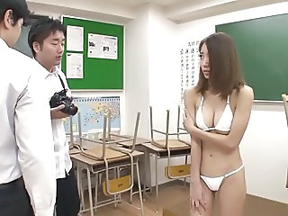 Student turns Teacher into Pet 3of4 censored ctoan