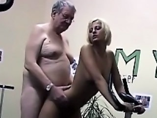 Daddy Sport Babe Doggystyle Old And Young Teen Dad Teen Daddy Doggy Teen Grandpa Gym Old And Young Teen Babe Teen Daddy