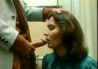 samantha fox is coercive to give head, cum in mouth, very hot.