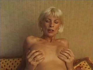 Skinny Old and Young Mom Drilled Hardcore Mature Old And Young