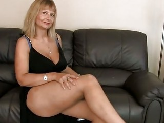 Legs Amazing Mature Big Tits Amazing Big Tits Mature Big Tits Mom