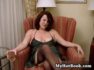 redheaded inexperienced annabelle is a plump mature babe who