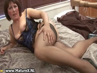 older mamma in sexy black nylons