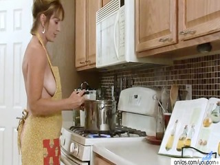 Kitchen Wife  Housewife Kitchen Housewife Kitchen Mature
