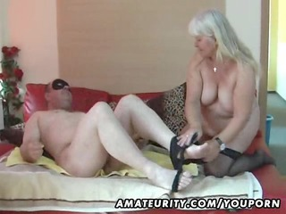 fat dilettante wife sucks and fucks on her couch