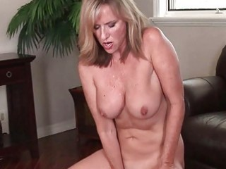 nasty milf bitch masturbates in red underware