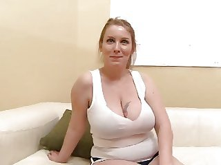 My girlfriends hot mom 2 pt1