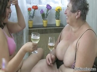 wicked old woman gets her muff sex tool part5