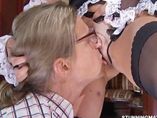 Close up Shaved Licking Maid + Mature Mature Pussy Pussy Licking