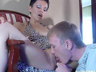 Licking Shaved Pussy Amateur Licking Shaved Old And Young
