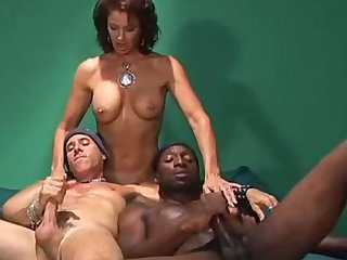 Bisexual Thresome ans Strapon