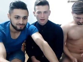 Webcam Teen Threesome