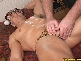 Mature muscular dudes assplay at massage