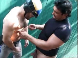 Gratis homo bears fucked and sucked part