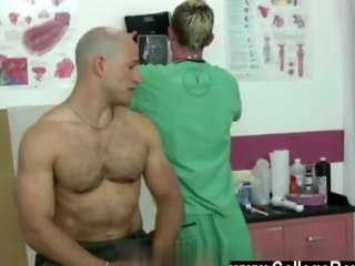 Video from: hardsextube | Young gay doctor examines a bald buff