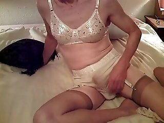 Video from: xhamster | Found on Web Sissy Cumming in Granny Panties