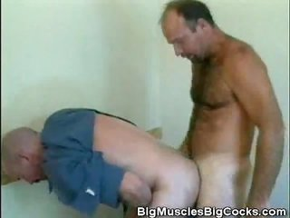 Older Amateur Doggystyle