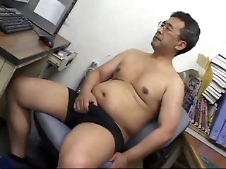 Daddy japanese in office