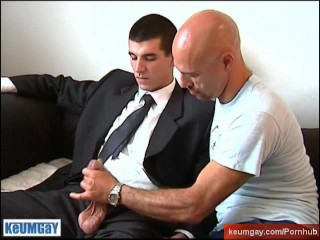 Full video: A innocent str8 vendor guy serviced his big cock by a guy!