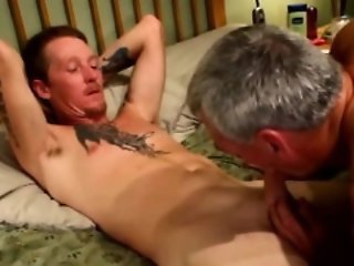Mature dilf straight gives friend facial