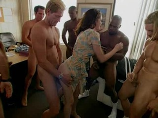 Videos from sexhubfucker.com