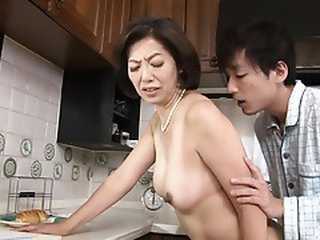Video dari javtubesex.com