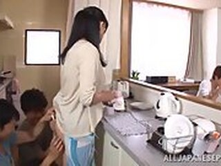 Mga video mula japanese-mom-porn.com