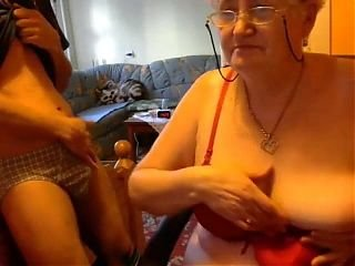 Video no grannyxxtube.com