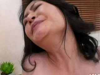 Videos from milfhotporn.com