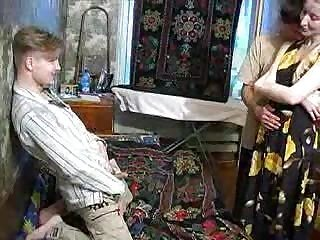 Videos van mom-son-porn.com