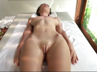 Videos from nudeyoungxxx.com