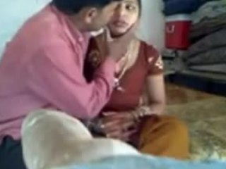 Wonderful porno video capturing the life of a very poor Indian family