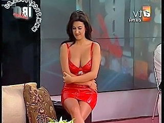 Upskirt Turkish Celebrity