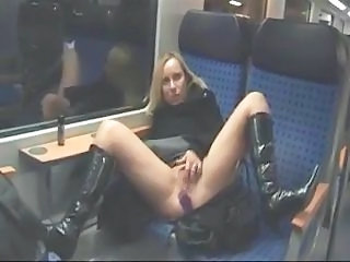 Bus Amateur Girlfriend
