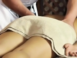 Asian babe enjoys massage