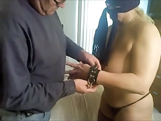 amateur slave tortured on bed