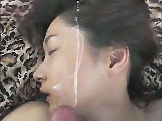 Amateur Asian Cumshot